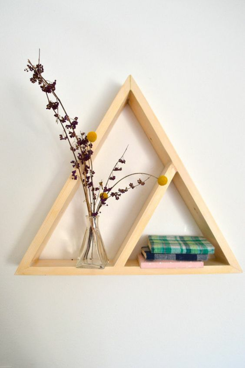 Wall shelf build yourself instruction DIY shelf build triangle
