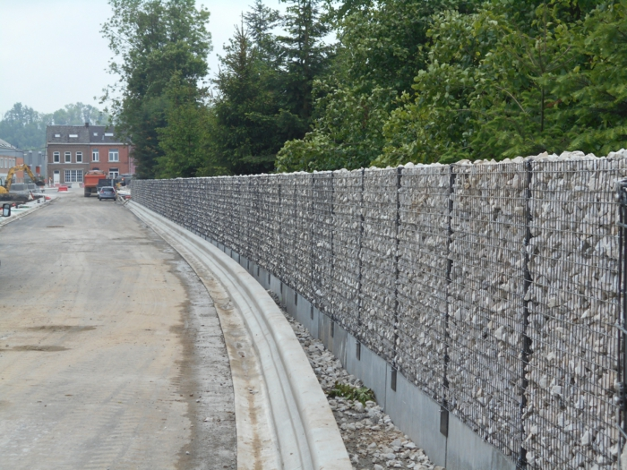 baustelle-gabionen wall-do it yourself-