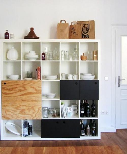 Elegante scaffale da parete dello spazio di archiviazione per piatti