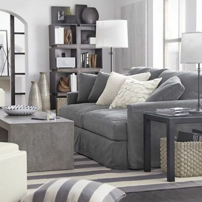 beton-couchtisch-robust-industrieller-stil-graues-couch[1]
